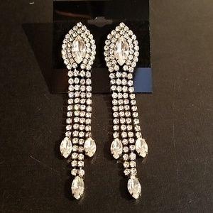 Jewelry - Beautiful Long Rhinestone Earrings